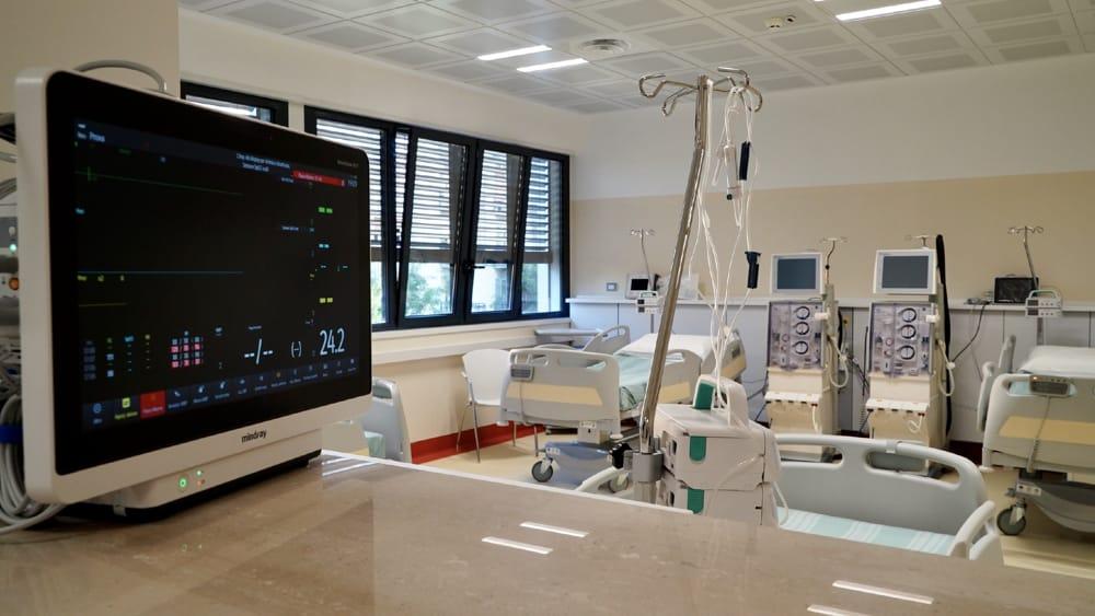 reparto nefrologia policlinico (10)-2