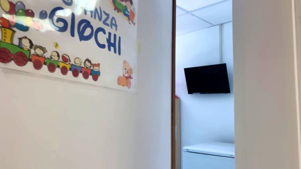 Stanze rinnovate e impianti di illuminazione a led: all'ospedale Giovanni XXIII  riapre il reparto di pediatria 'Trambusti'