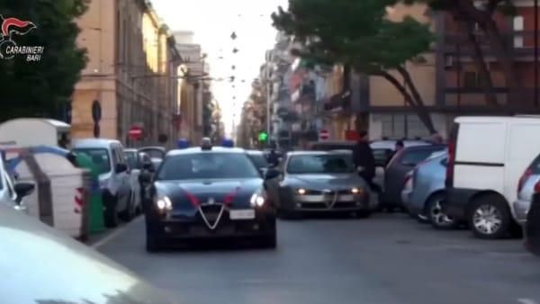 Caccia alla droga nei quartieri di Bari, arresti a Carrassi e Libertà (anche incensurati). In casa droga pronta per la vendita