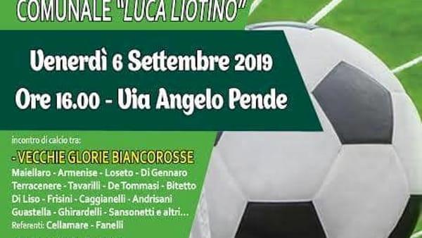 Una partita di calcio inaugura la riapertura del campo sportivo comunale di Casamassima