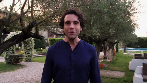 VIDEO | Mika lancia il suo 'Revelation tour' nei palazzetti d'Italia: a febbraio il concerto al Palaflorio