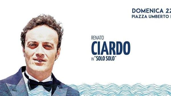 """Renato Ciardo con lo spettacolo """"Solo Solo"""" in Piazza Umberto I a Carbonara"""
