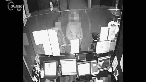 VIDEO | Rapina in sala scommesse a Modugno: le immagini delle telecamere