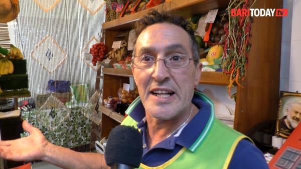 """La voce dei commercianti nel nuovo mercato di via Amendola: """"Finalmente siamo al coperto, basta che poi non piova"""""""