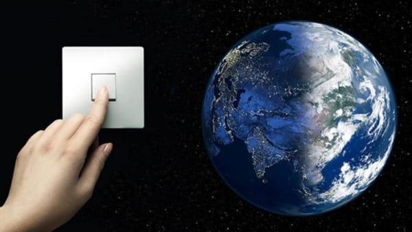 """""""Earth hour"""": spenti i lampioni del lungomare di Bari per la campagna mondiale del WWF sui cambiamenti climatici"""
