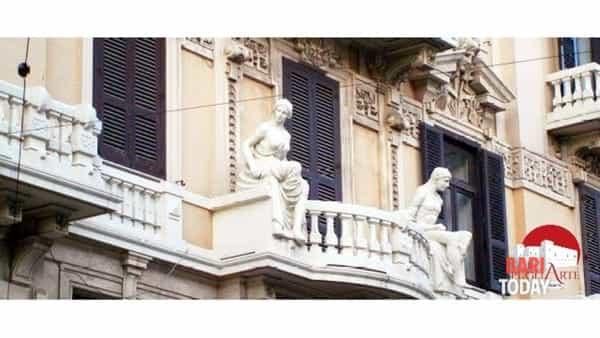 Bari floreale: passeggiata tra le architetture fiorite, ghirlande e maschere