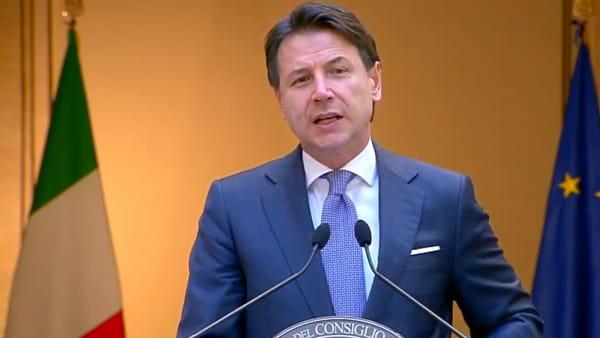 """Conte presenta la fase 3 agli italiani: """"Rinnovato entusiasmo ma attenzione alle precauzioni"""""""