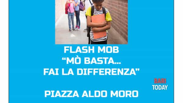 """""""Flash mob mò basta...fai la differenza"""" della rassegna di eventi """"Casamassima dice no al bullismo"""""""