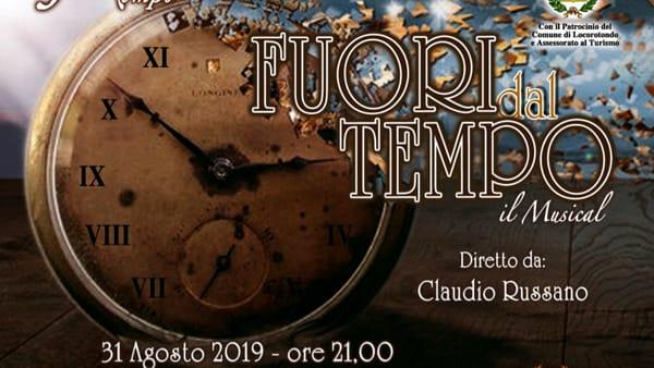 """La Compagnia Teatrale """"Fuori Tempo"""" in scena a Locorotondo con lo spettacolo 'Fuori dal Tempo'"""