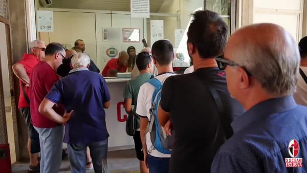 SSC Bari, sorpresa in biglietteria: Floriano, Costa e Neglia cassieri per un giorno