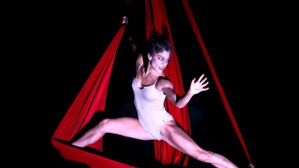 'Hell in the Cave - versi danzanti nell'aere fosco' in scena alle Grotte di Castellana