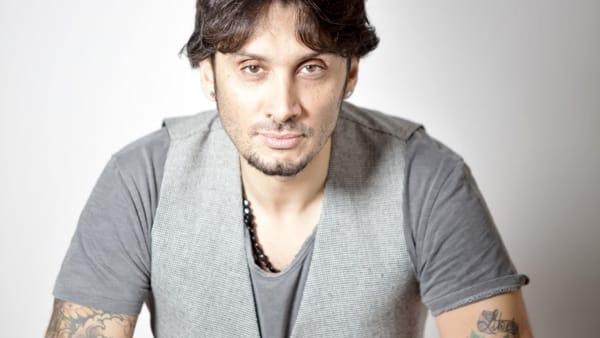 Fabrizio Moro in concerto all'Anfiteatro di Ponente di Molfetta