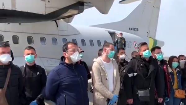 """Dall'Albania medici e infermieri per combattere la battaglia contro il coronavirus, il grazie dell'Italia: """"Ci saremo sempre"""""""