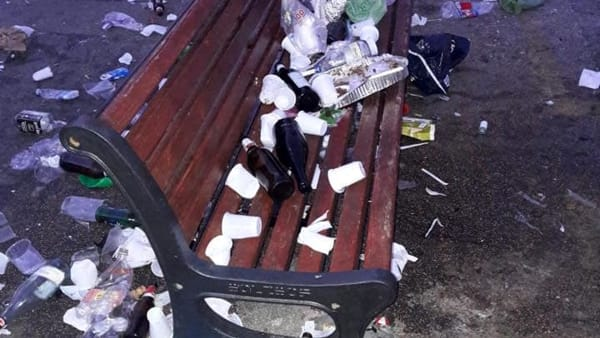 rifiuti piazzale lorusso (3)-2