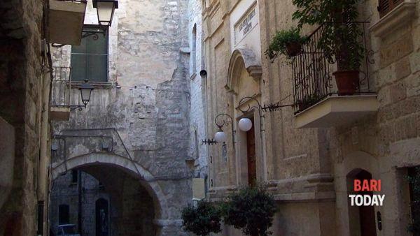 Visita guidata serale a Bari vecchia con itinerario di vicoli, corti ed antichi mestieri