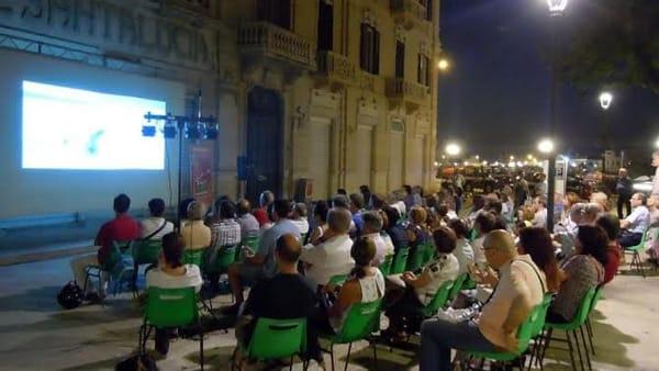 """Festival Del Racconto, il Film: """"La politica generativa. Pratiche di comunità nel laboratorio Puglia"""" e """"Due euro l'ora"""""""