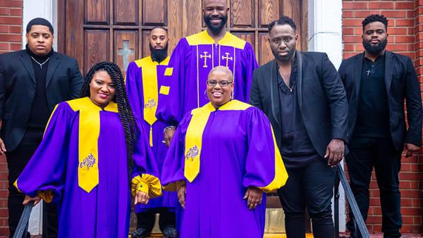 Il gospel americano diThe Harlem Voices feat. Eric B. Turner inonda di suoni e spiritualità la Grave delle grotte di Castellana
