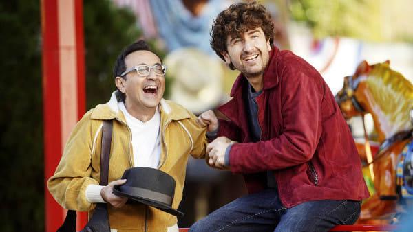 Il ritorno di Alessandro Siani al cinema, tra risate e magia