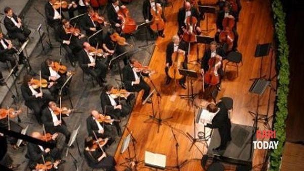 Concerto dell'orchestra sinfonica nella Cattedrale di Bari