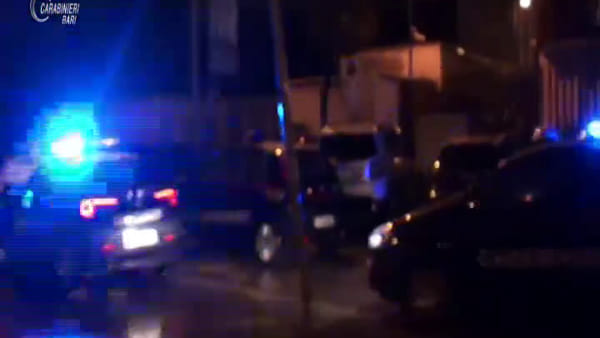 VIDEO | Operazione antidroga, 32 arresti a Modugno: le immagini