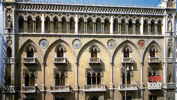 Visita guidata a Palazzo Fizzarotti