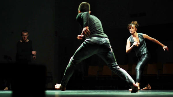 Ezio Schiavulli con lo spettacolo Silent Poets e Diego Passoni da Radio Deejay al Network Internazionale Danza Puglia
