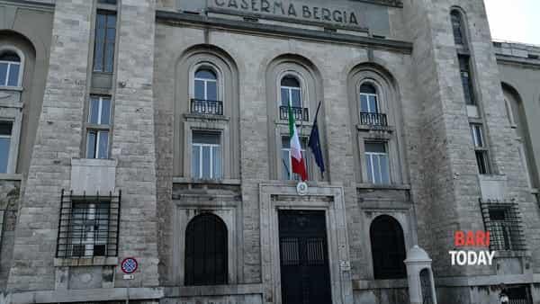 VIDEO - Equipaggiamenti, mezzi e cimeli dell'Arma dei carabinieri in mostra: alla scoperta della Caserma Bergia di Bari