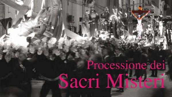 Cinquanta immagini sacre in processione a Ceglie del Campo il Venerdì Santo