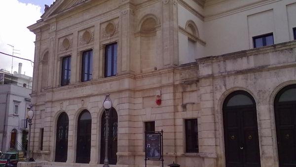 Gli attori dell'Università della terza età vanno in scena al teatro Rossini di Gioia del Colle