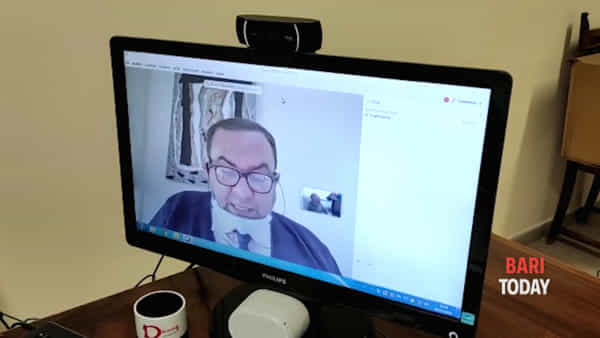 Anche il Consiglio comunale si adegua al Coronavirus: nel Barese le prime sedute con computer e webcam