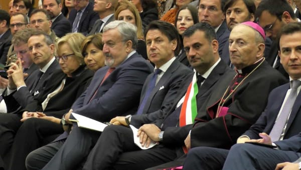 """VIDEO   Il premier Conte inaugura l'anno accademico del Politecnico: """"Qui tante sinergie importanti per il Paese"""""""