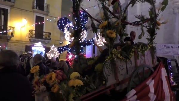 Con la sagra del calzone e 'il funerale de zii Rocche', Bari vecchia festeggia il Carnevale