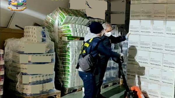 Mascherine e igienizzanti non sicuri, nuovo maxisequestro nel Barese e nella Bat: denunciati commercianti