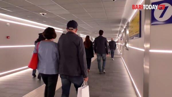 VIDEO | Il sottopasso rinnovato della stazione si mostra ai baresi: nuove luci a led, videocamere e canaline bici