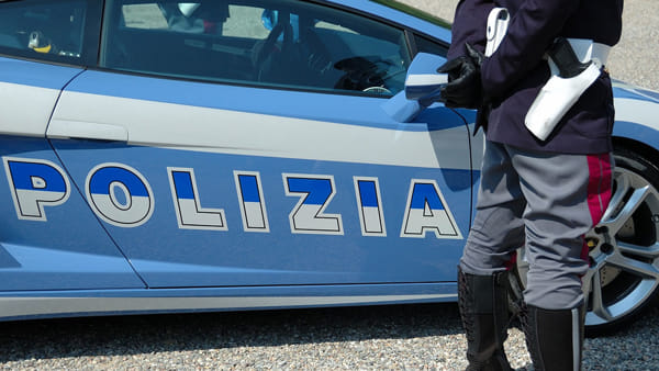 In moto con la cocaina da spacciare, pusher 22enne arrestato al Libertà