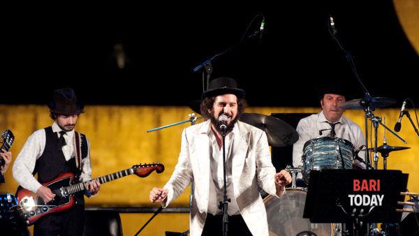 Con il concerto di Vinicio Capossela, Bari accoglie il 2015