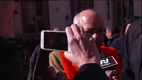 """VIDEO   A Roma la protesta dei gilet arancioni, Emiliano: """"Regione al fianco degli olivicoltori pugliesi"""""""