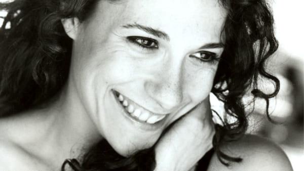 'La pescatrice di perle', la nuova produzione della Compagnia Acasă dedicata alla filosofa Hannah Arendt al Piccolo Teatro di Bari