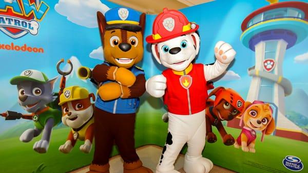 Nel centro commerciale Auchan di Casamassima gli amatissimi cuccioli Marshall e Chase incontrano i piccoli fan