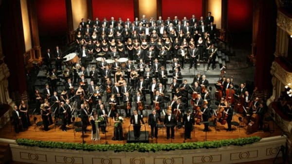 Concerto dell'Orchestra sinfonica metropolitana nel Teatro Anchecinema di Bari