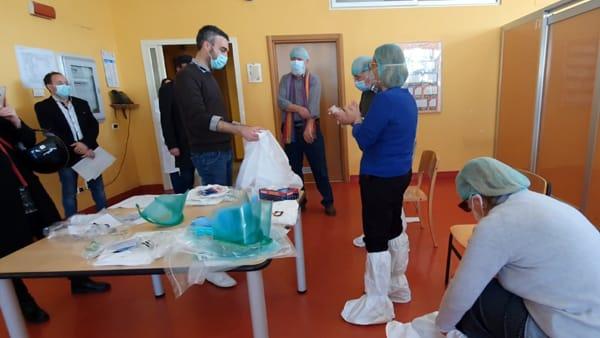 Medici in camper per controllare anziani e persone in difficoltà con l'emergenza coronavirus: l'iniziativa a Bari