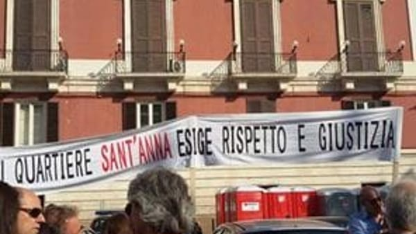 Quartiere Sant'Anna, in Comune il sit-in di protesta dei residenti