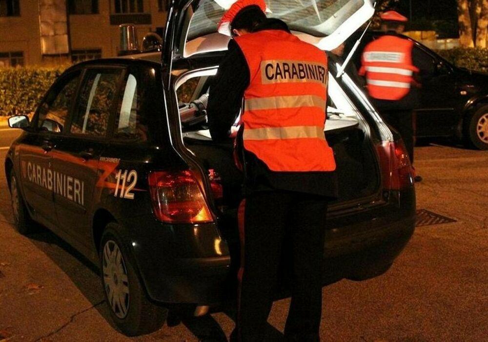 Al volante dopo aver bevuto troppo, beccati dai carabinieri: scattano ritiro della patente e denuncia per cinque automobilisti