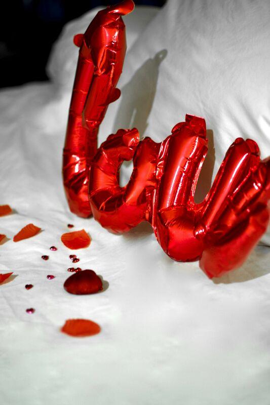 Come Arredare La Camera Da Letto Il Giorno Piu Romantico Dell Anno