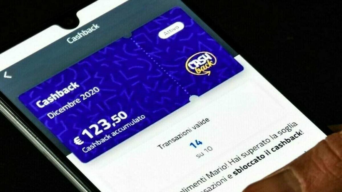 Sospeso il cashback per i prossimi sei mesi: al danno anche la beffa dei rimborsi e premi slittati