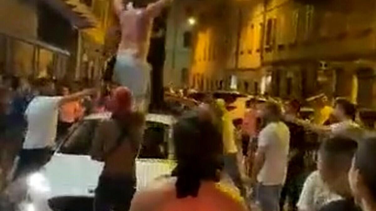 Finale Europei Italia-Inghilterra: a Bari vietati maxischermi, servizi di polizia rafforzati contro gli incoscienti in caso di vittoria