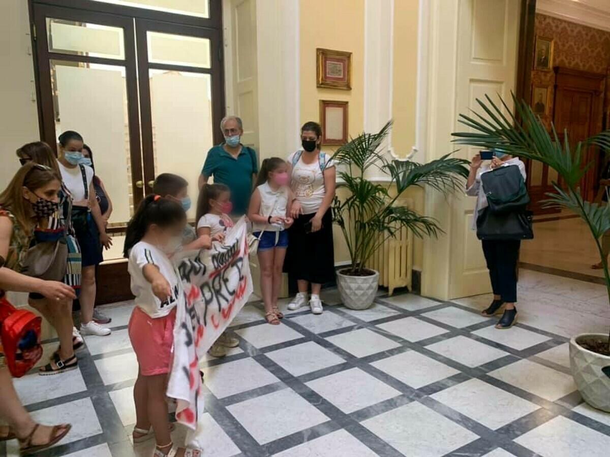 Del Prete a rischio chiusura, il Comitato in difesa della scuola dopo l'incontro con Decaro: