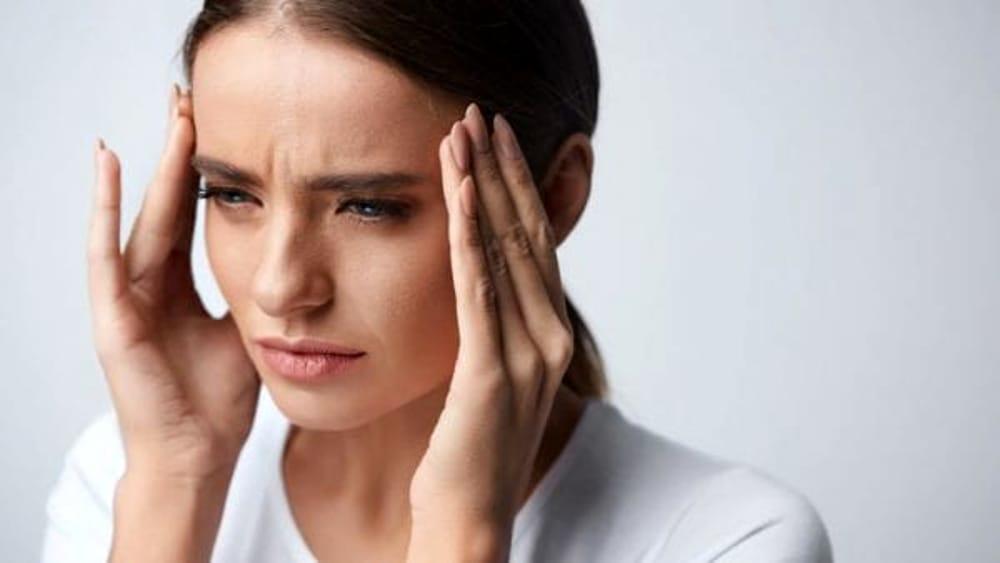 mal di testa, disturbo comune, come intervenire, i rimedi..